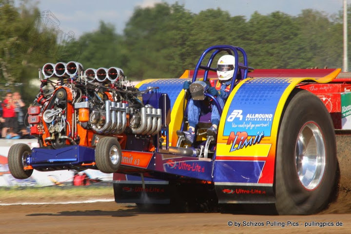 Tractor Pulling Motorcycle : High performance stock component modified tractor parts